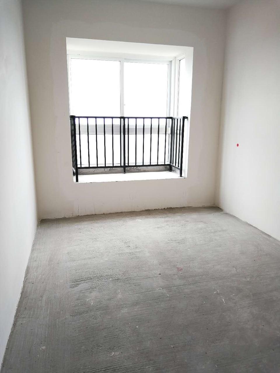 谦翔财富中心3室 1厅 1卫35.8万元