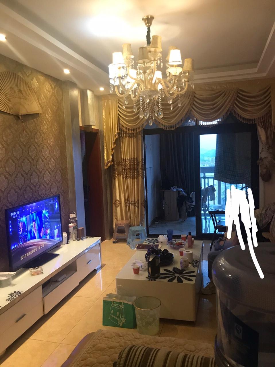 四季花城3室 2厅 1卫45万元