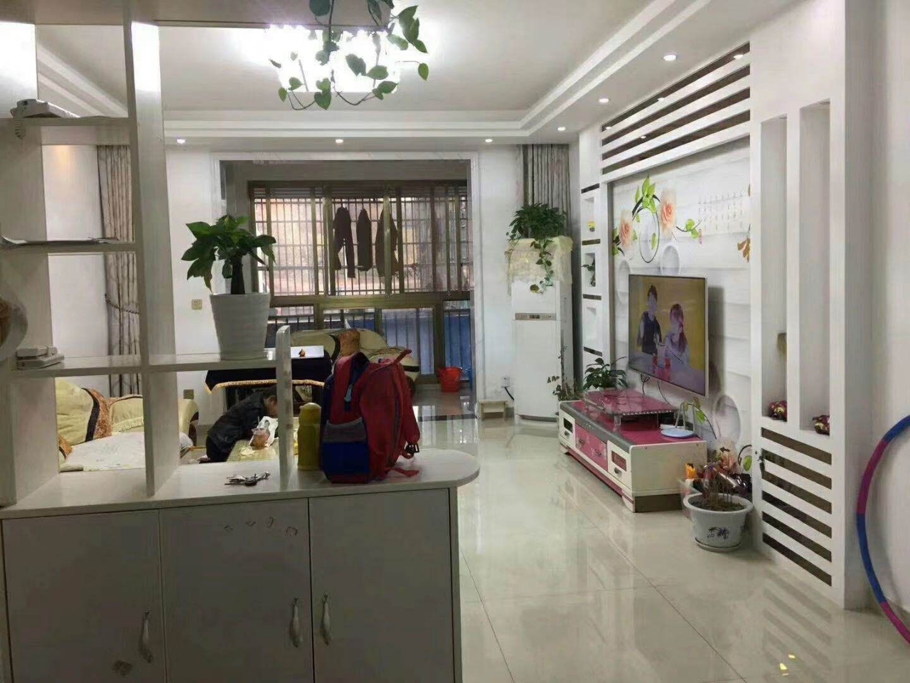 珍珠湖小區精裝3室 2廳 2衛55萬元
