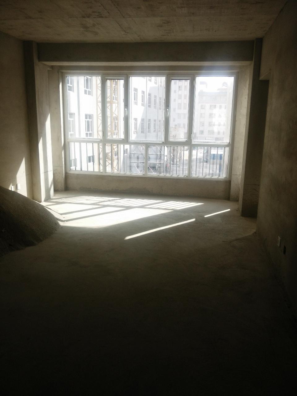 丽景阳光118平4楼