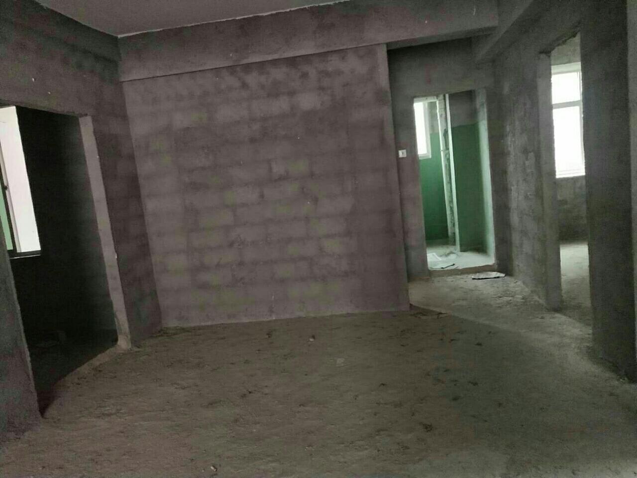 东城丽景3室 2厅 2卫120万元