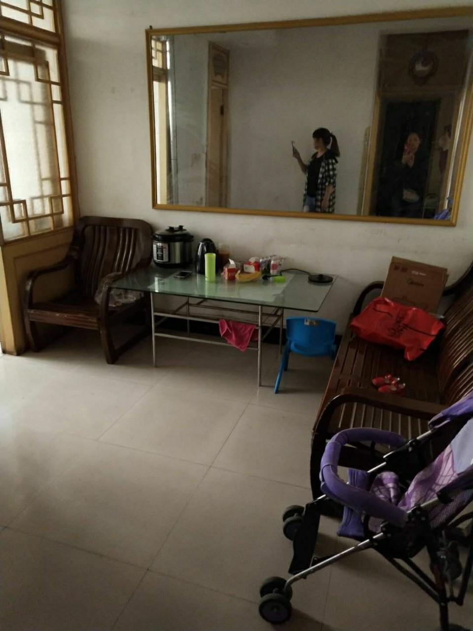 蓝关镇家属楼2室 2厅 1卫32万元
