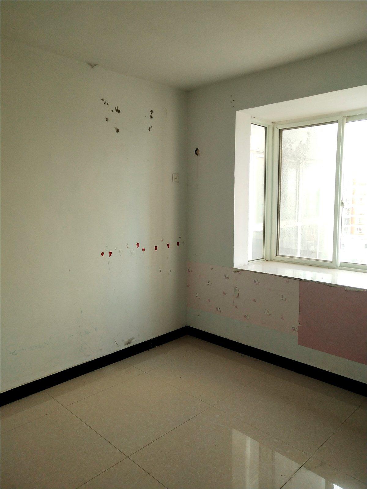 萬象城簡裝大產權已網簽2室 2廳 1衛51萬元