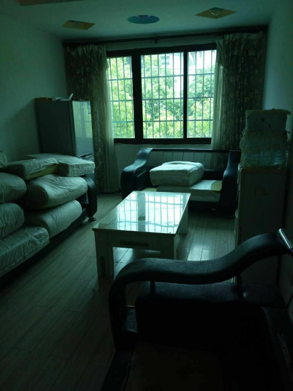 南江广场附近3室 1厅 1卫39.8万元