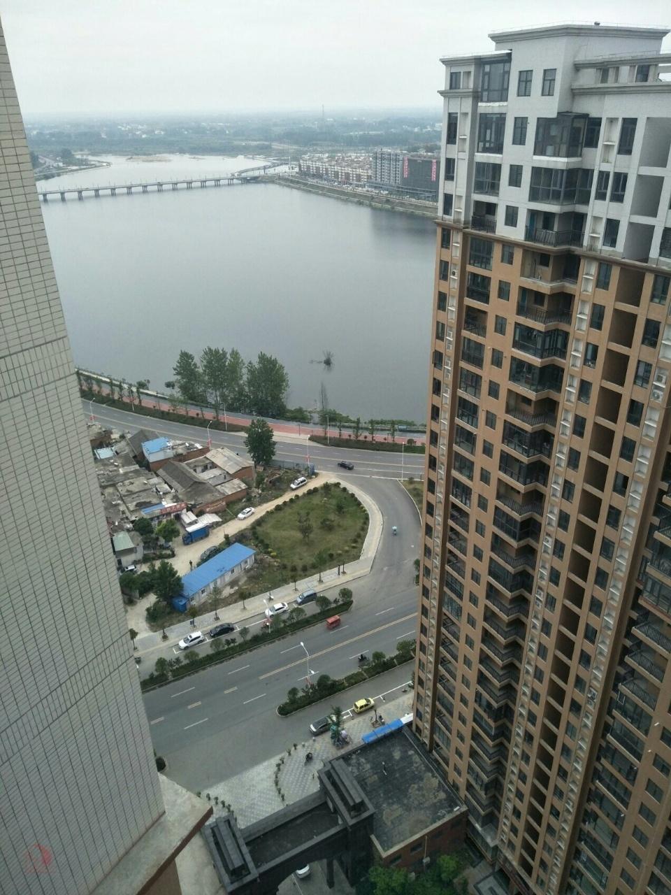首付50万滨河新城3室 2厅 2卫85万元
