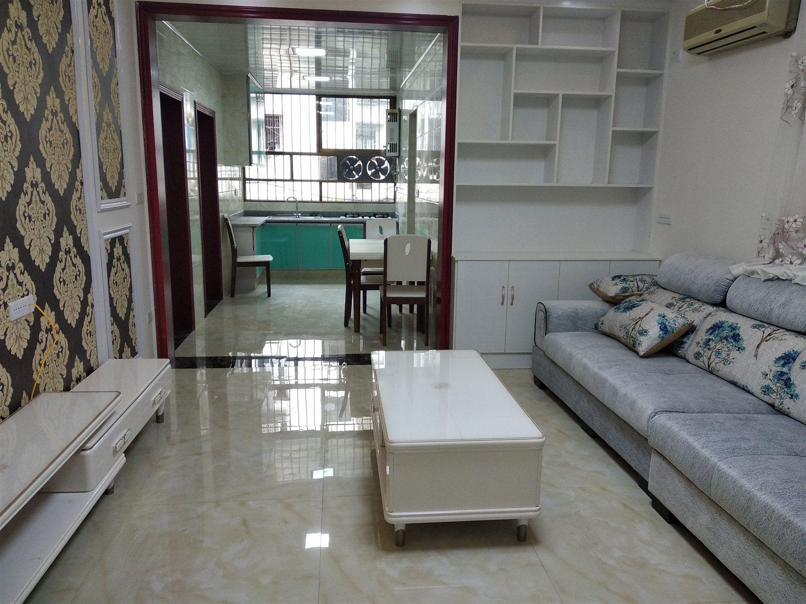 皂角巷3楼3室 2厅 2卫48.8万元