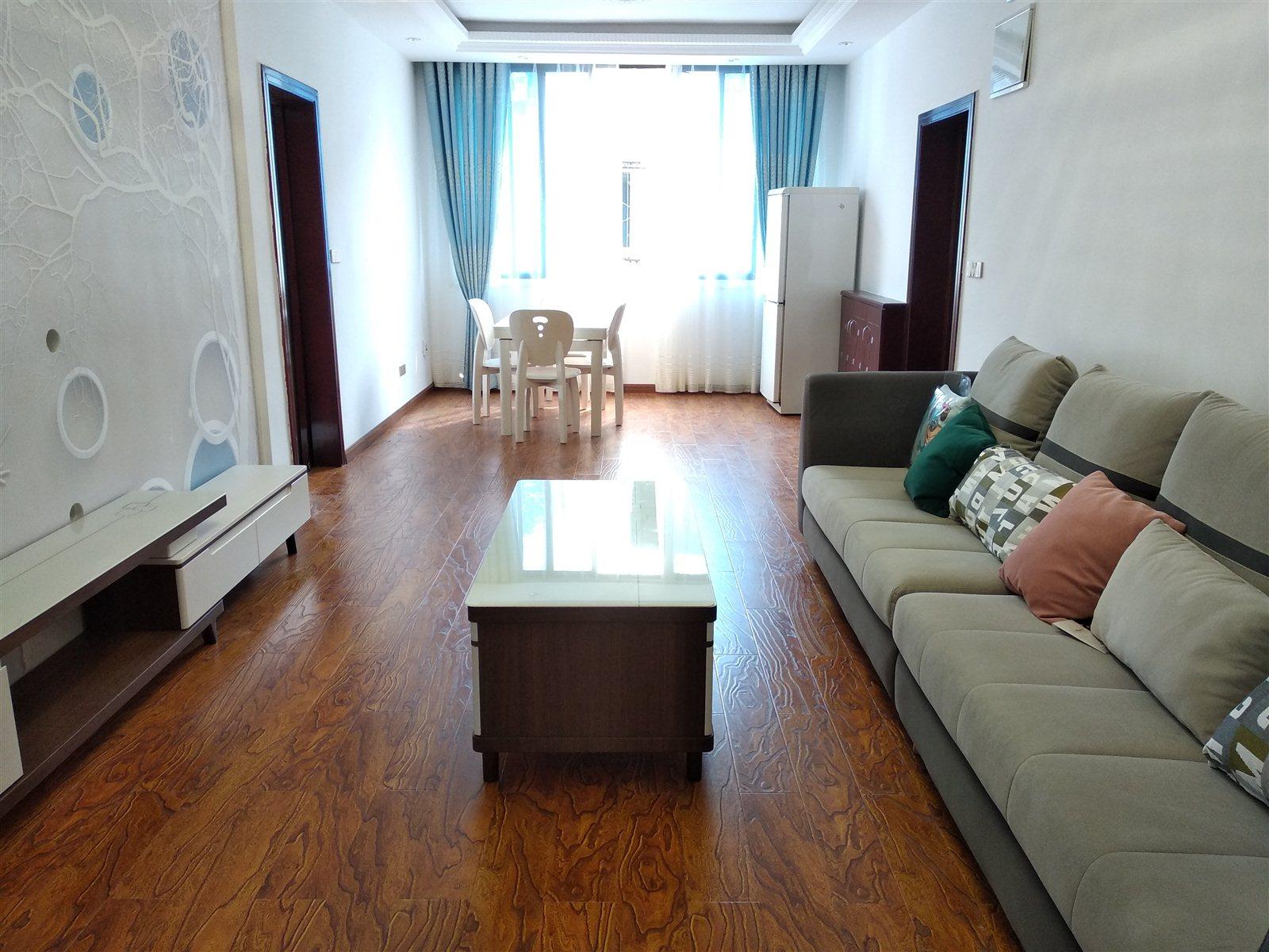 光明巷3室 2厅 2卫45.8万元