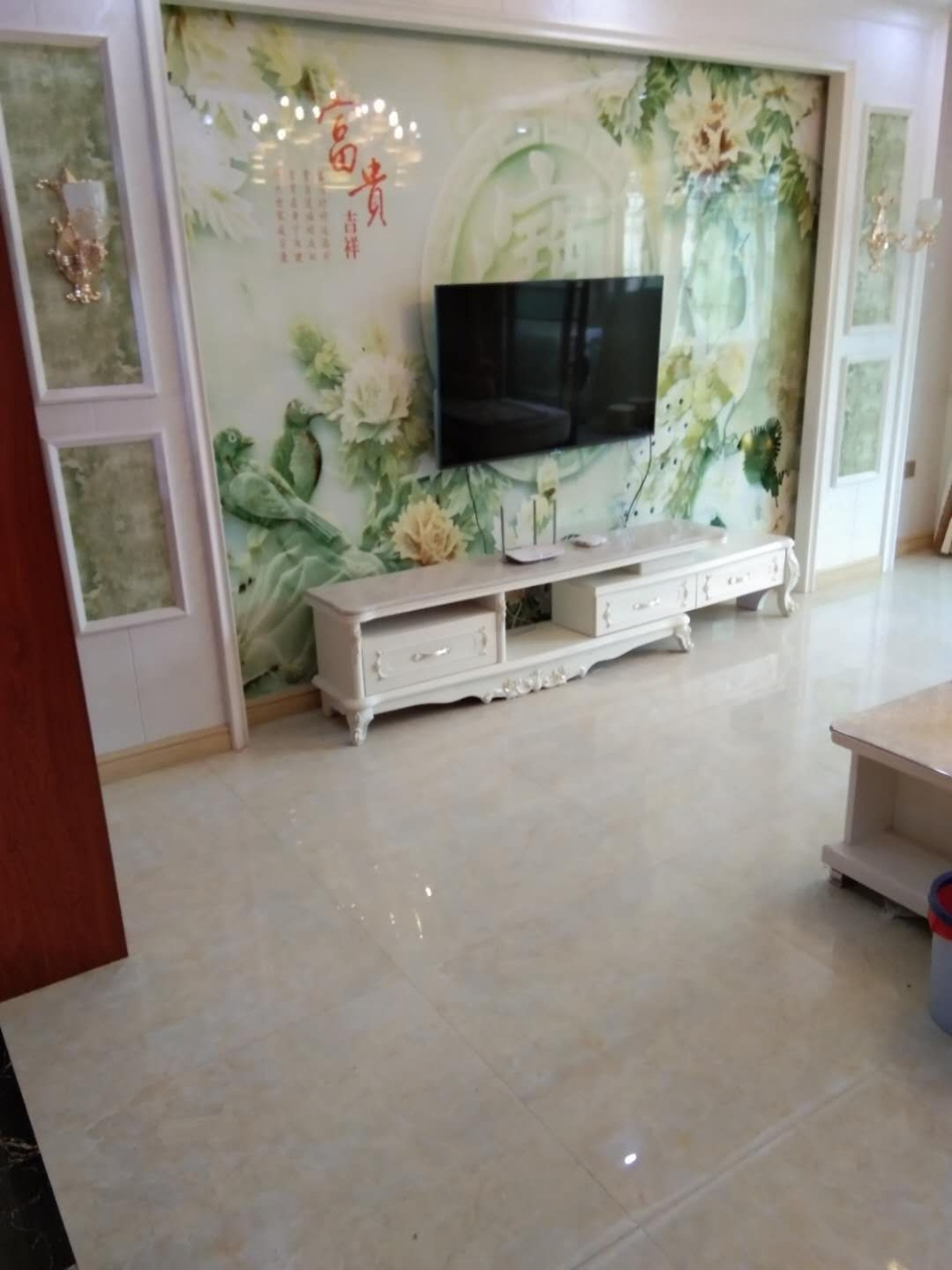 翡翠城3室 2厅 2卫85万元