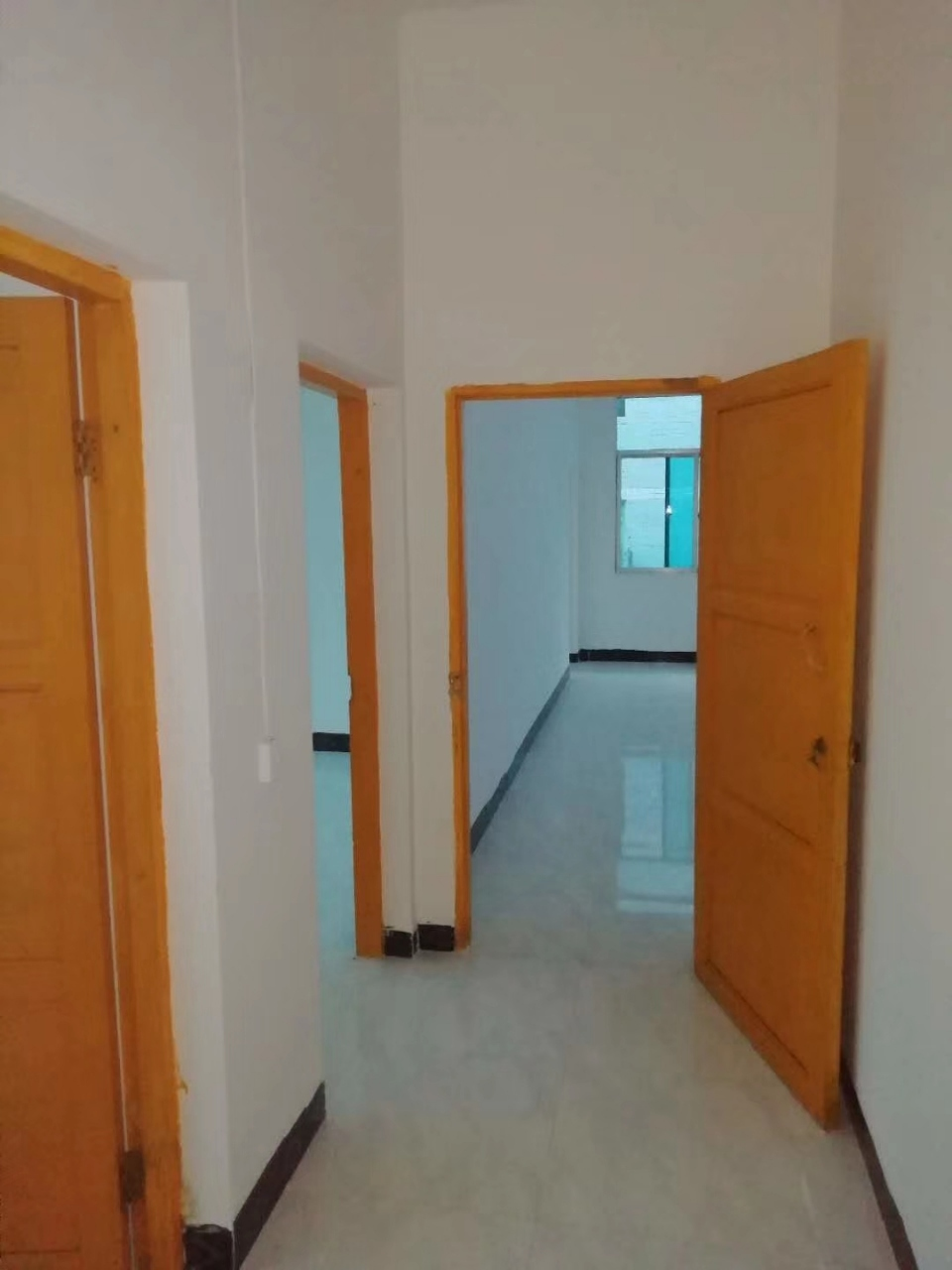 三台山小区5室 2厅 1卫63.8万元