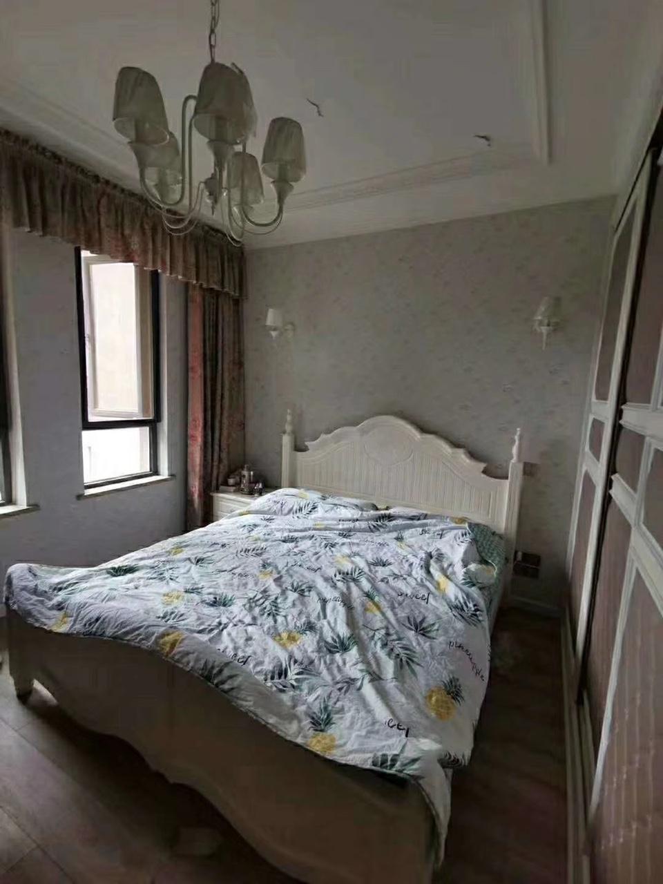 白兰地5室 2厅 2卫108万元