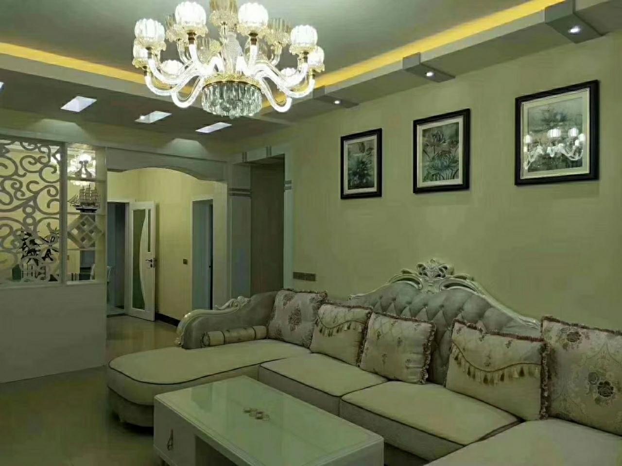 万泰花园3室 2厅 2卫66.8万元