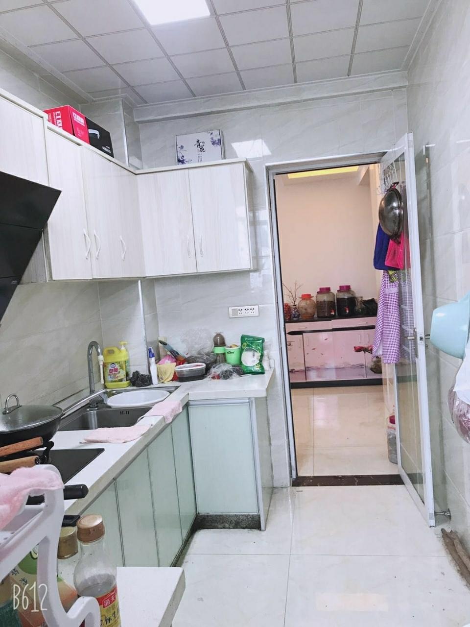 滨江新城3室 2厅 2卫58万元