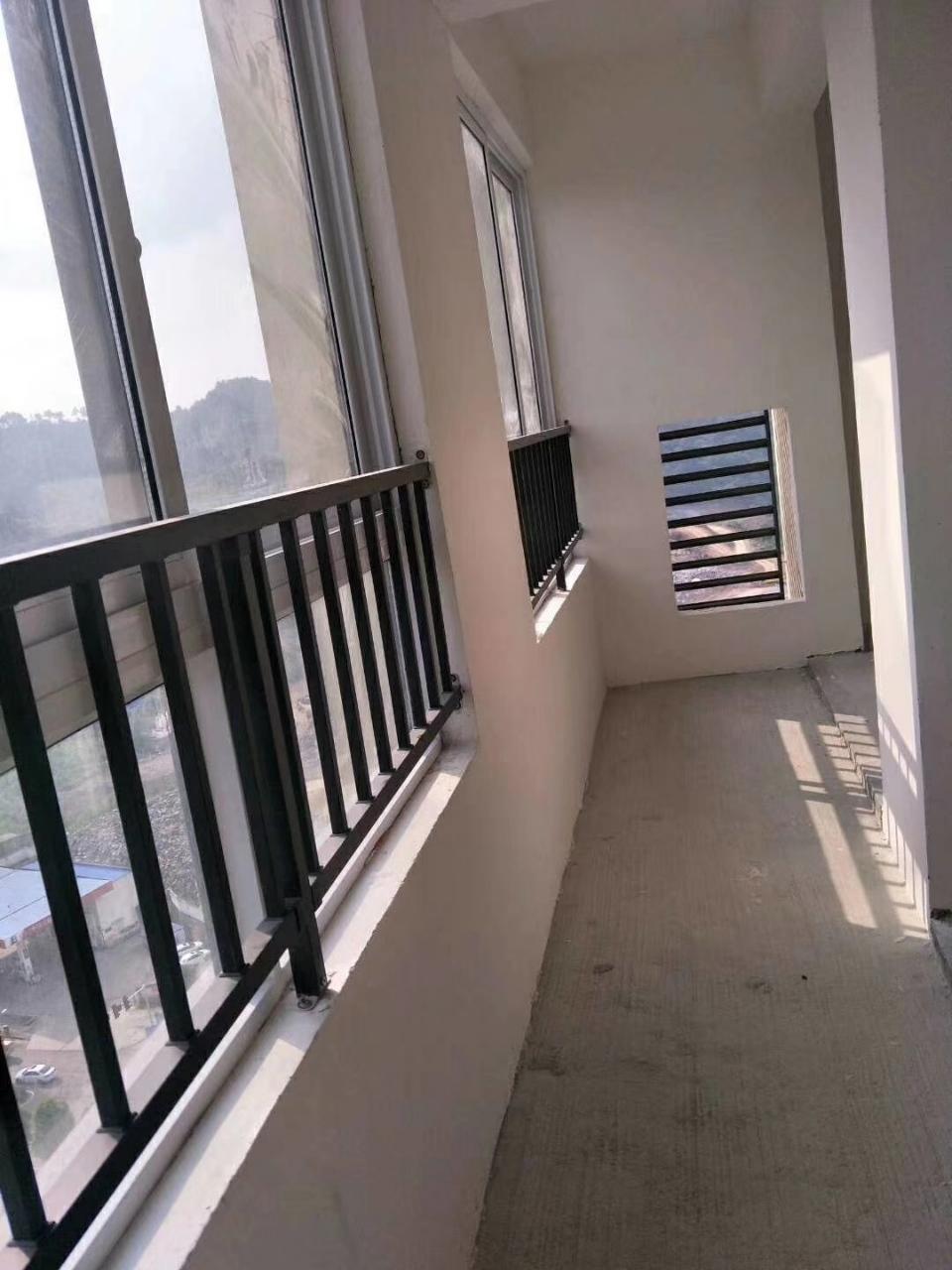 谦翔财富中心3室 1厅 1卫39.8万元