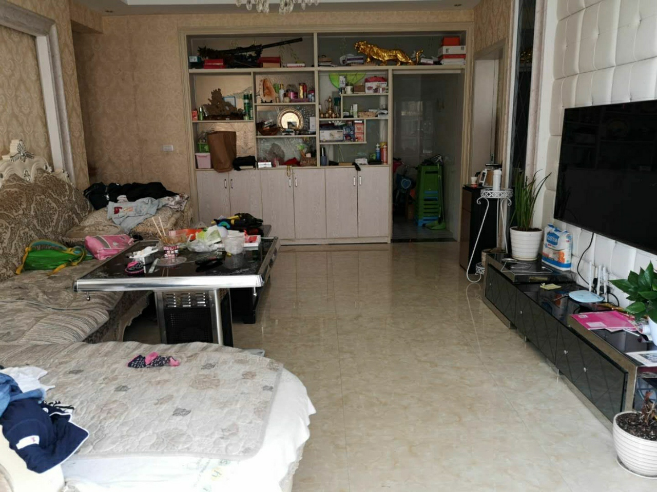 林泉辰龙花园4室 2厅 2卫59.8万元