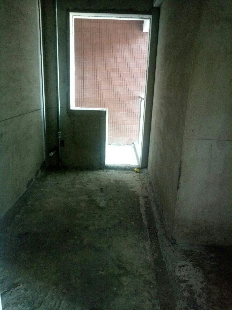 锦港华府3室 2厅 2卫87.8万元