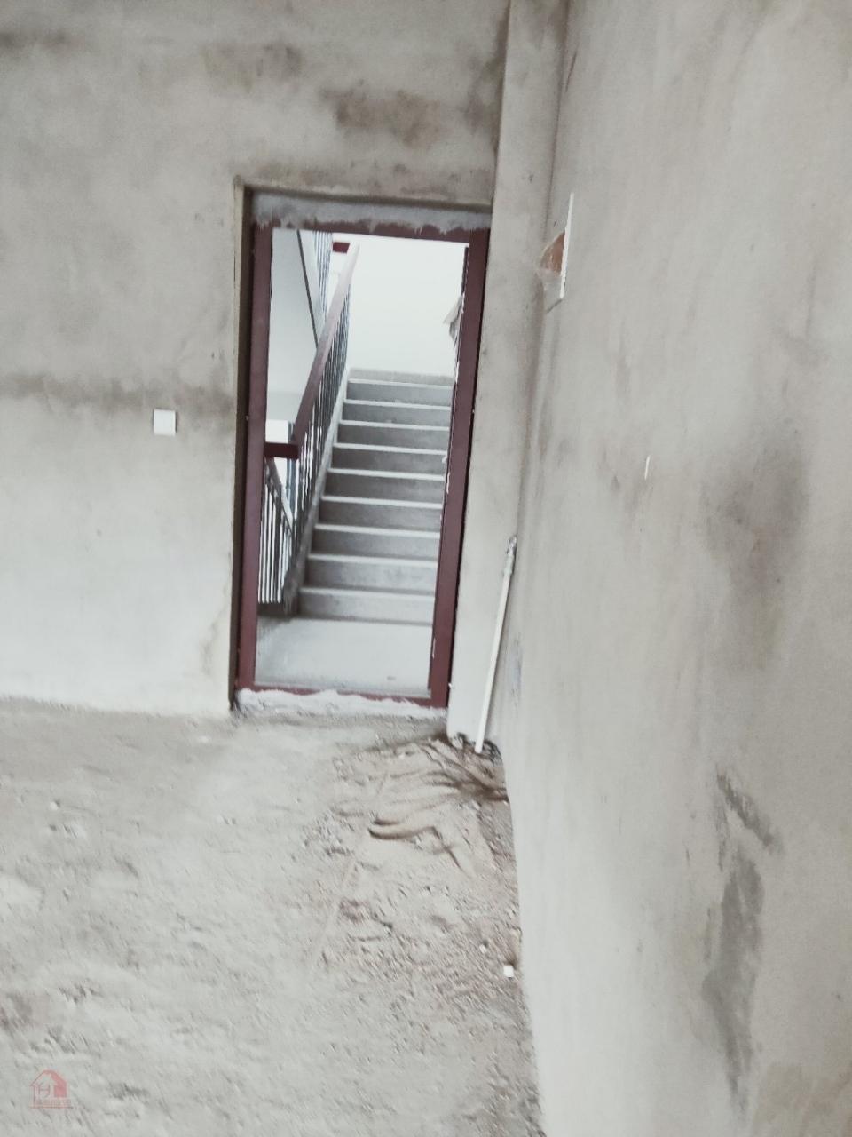 惠民小区C区对面3室 2厅 2卫75万元