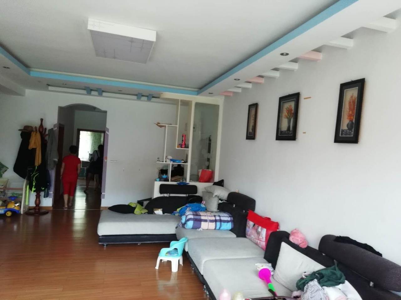 南江花园3室 2厅 1卫53.8万元