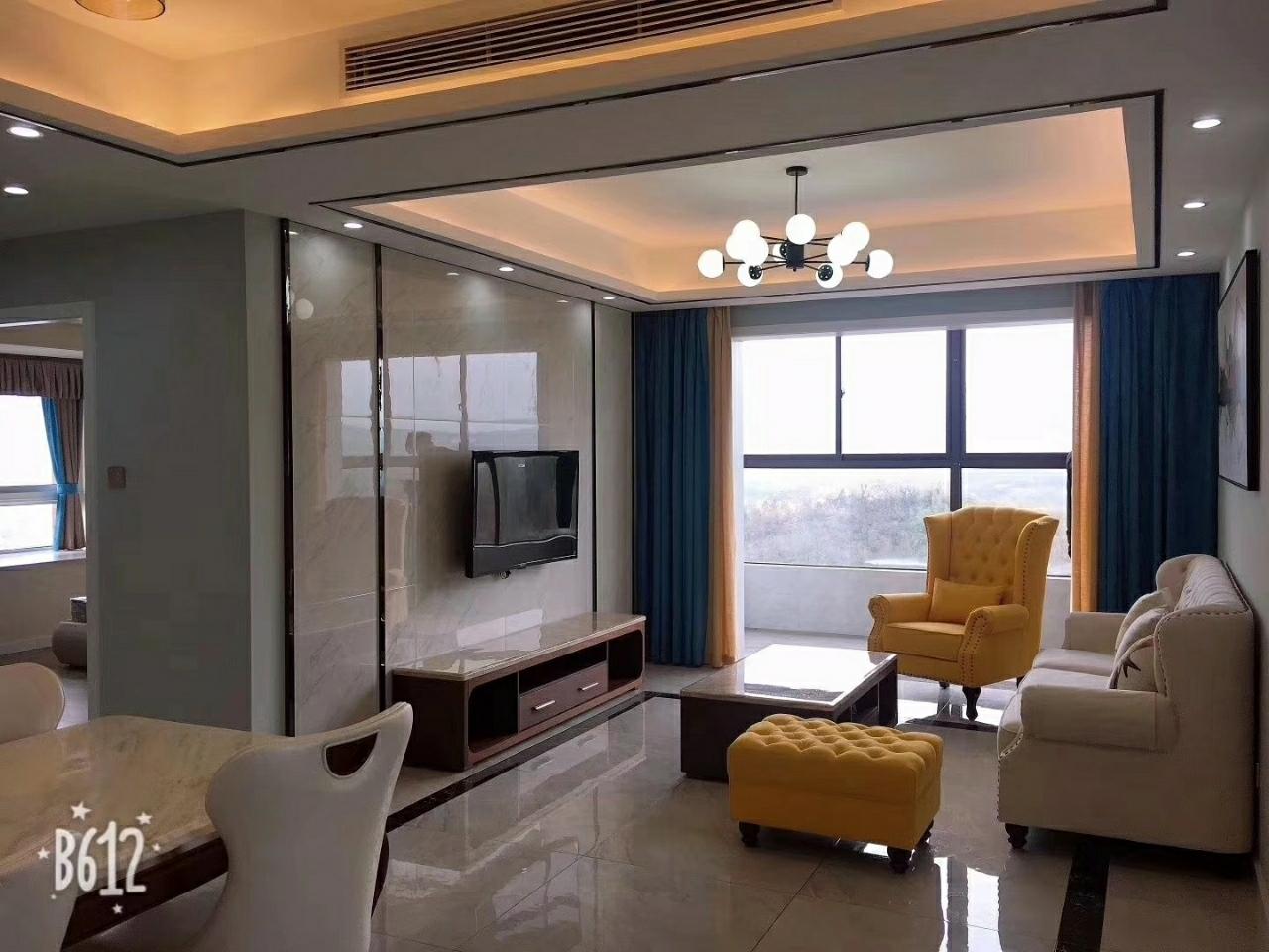 富华二期【506】3室 2厅 2卫99.8万元