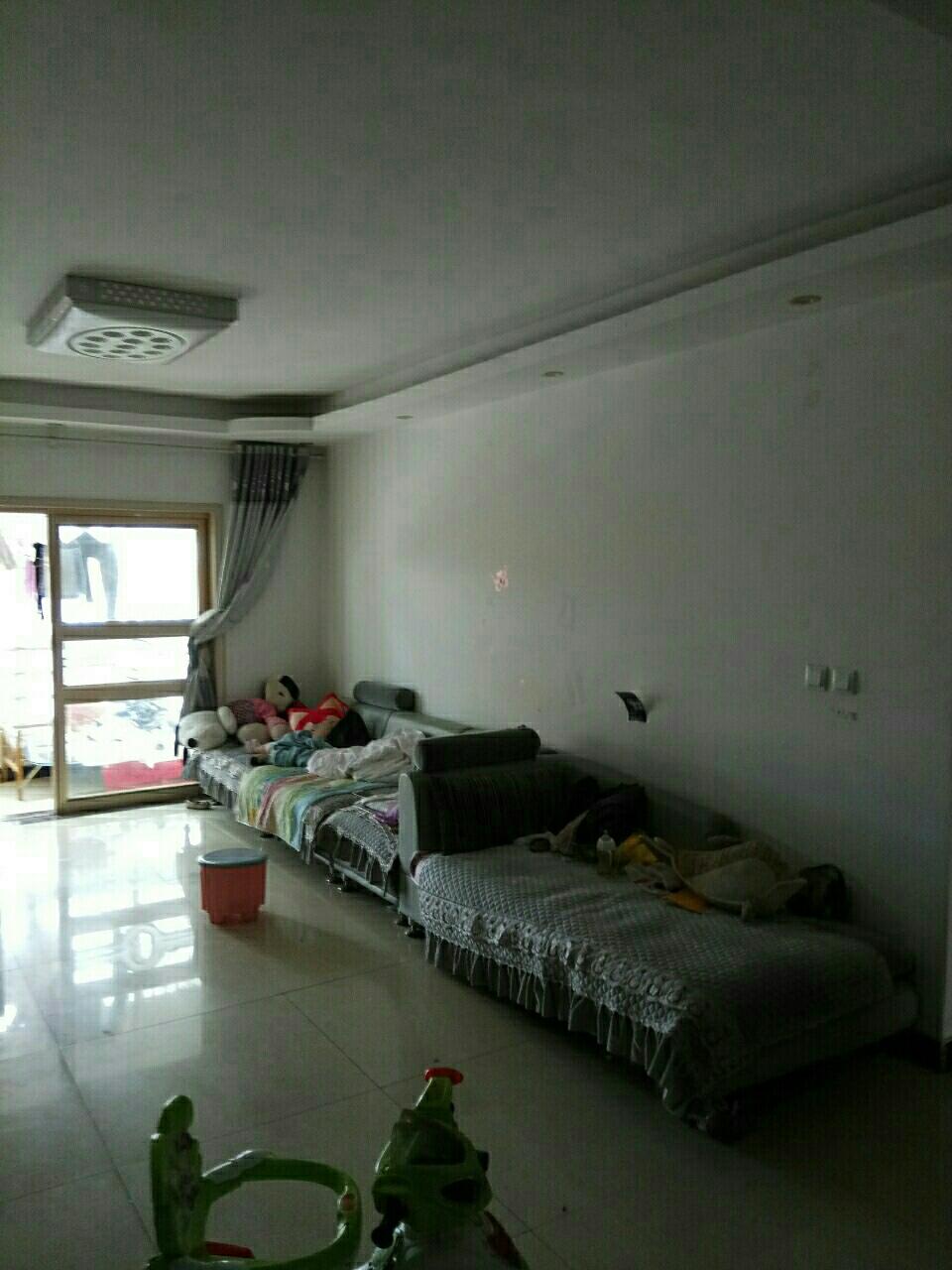 假日澜湾3室 2厅 2卫46万元