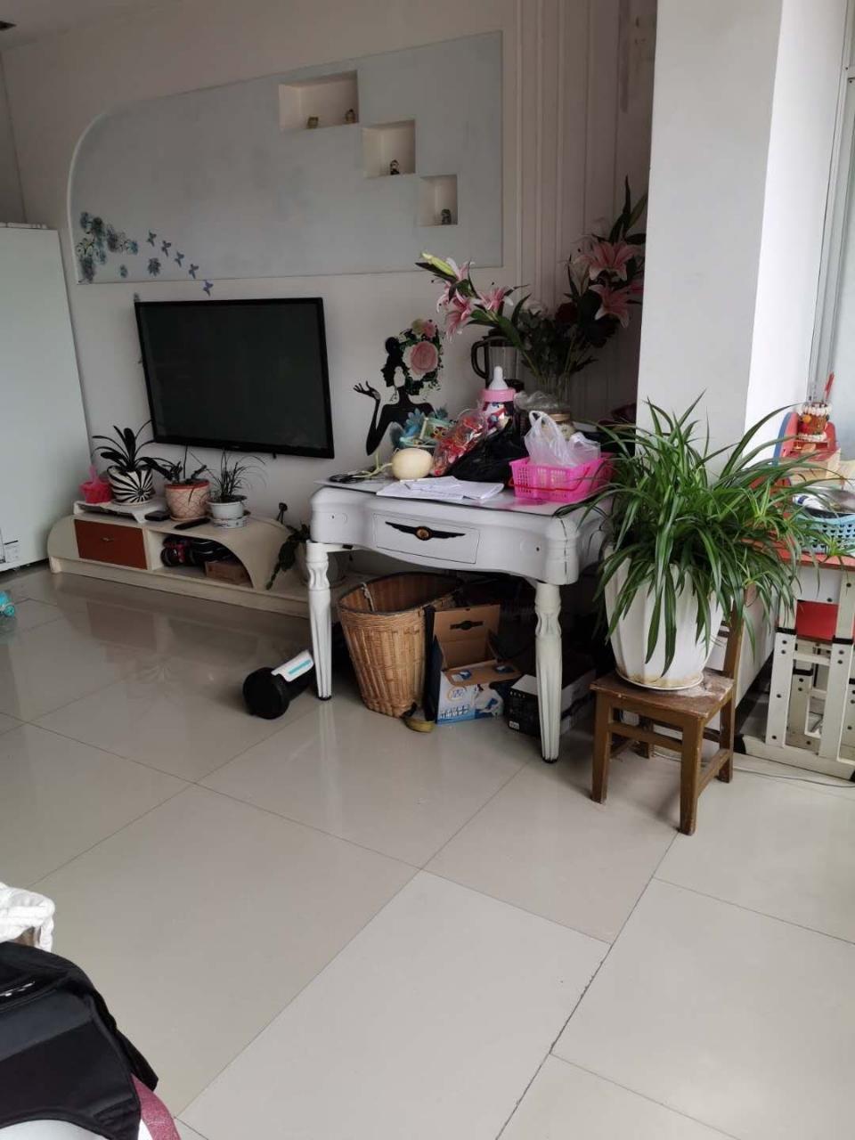紫江花园4室 2厅 2卫52.8万元