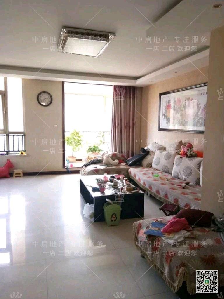天元上东城3室 2厅 2卫149万元
