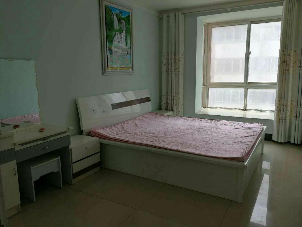 安泰家苑3室 2厅 2卫52万元