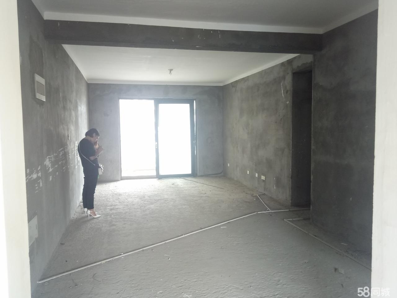 中强御金湾3室 2厅 2卫66万元
