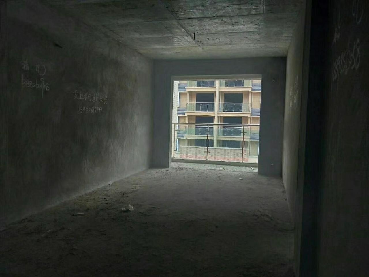 宏帆广场2室 2厅 1卫26万元