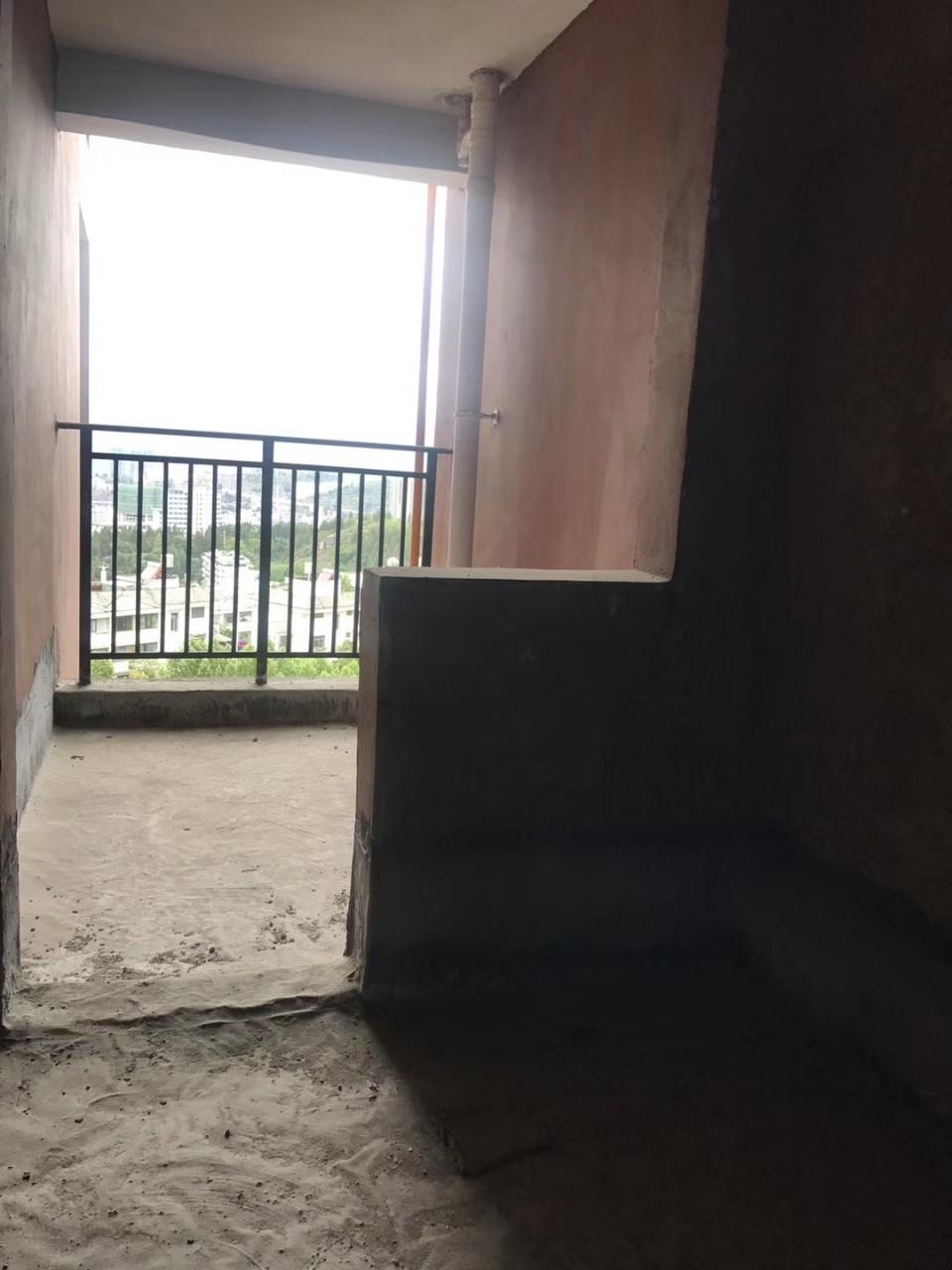 东湖半岛2室 2厅 1卫41万元