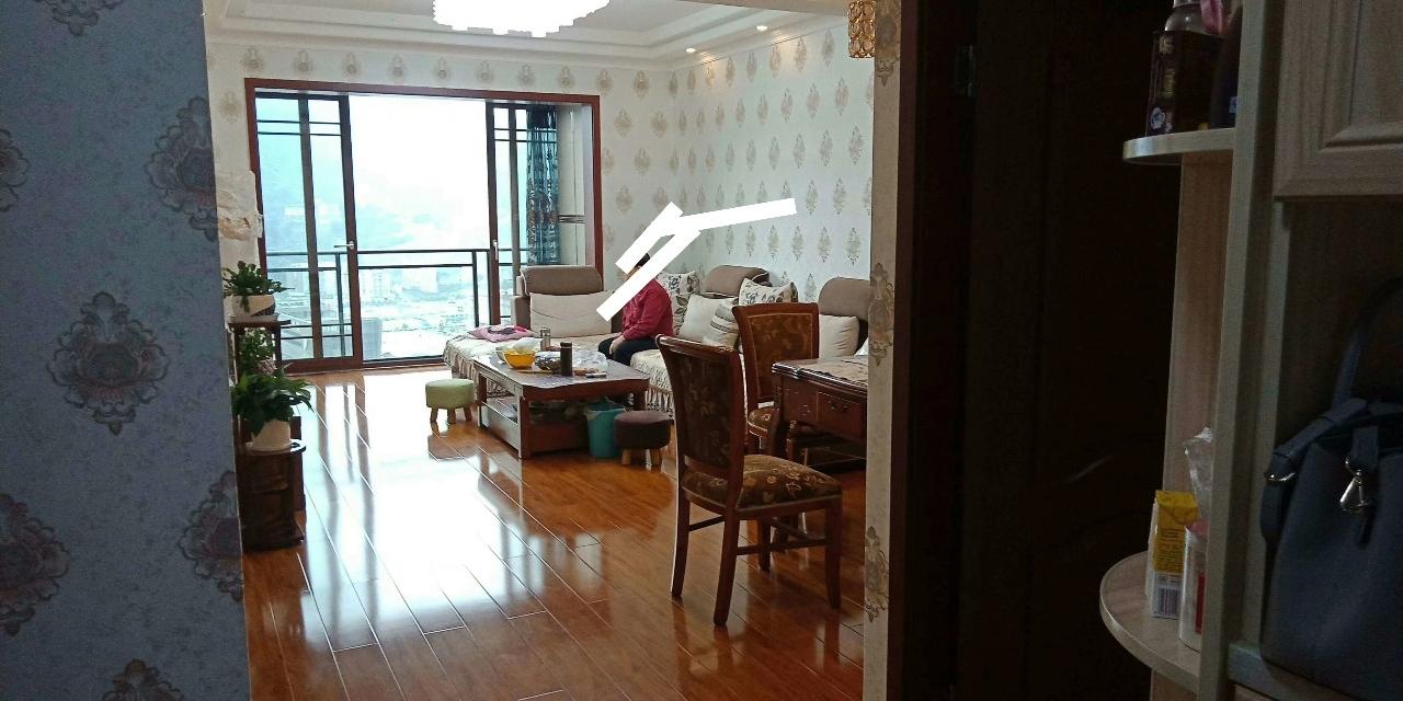 财富国际3室 2厅 1卫66万元