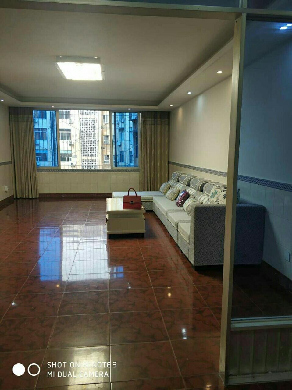 天堂街附近4室 2厅 2卫48.8万元