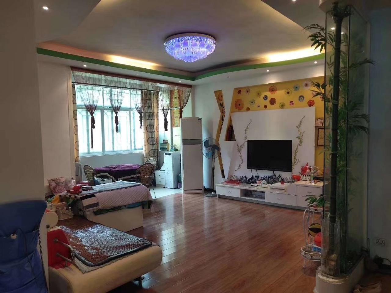 江东花园3室 2厅 2卫36.8万元