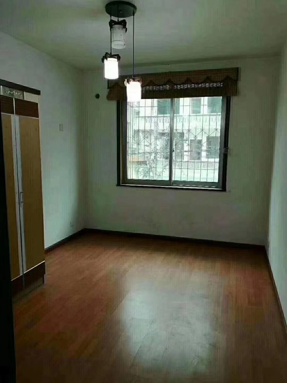 金带街裕民巷3室 2厅 1卫65万元