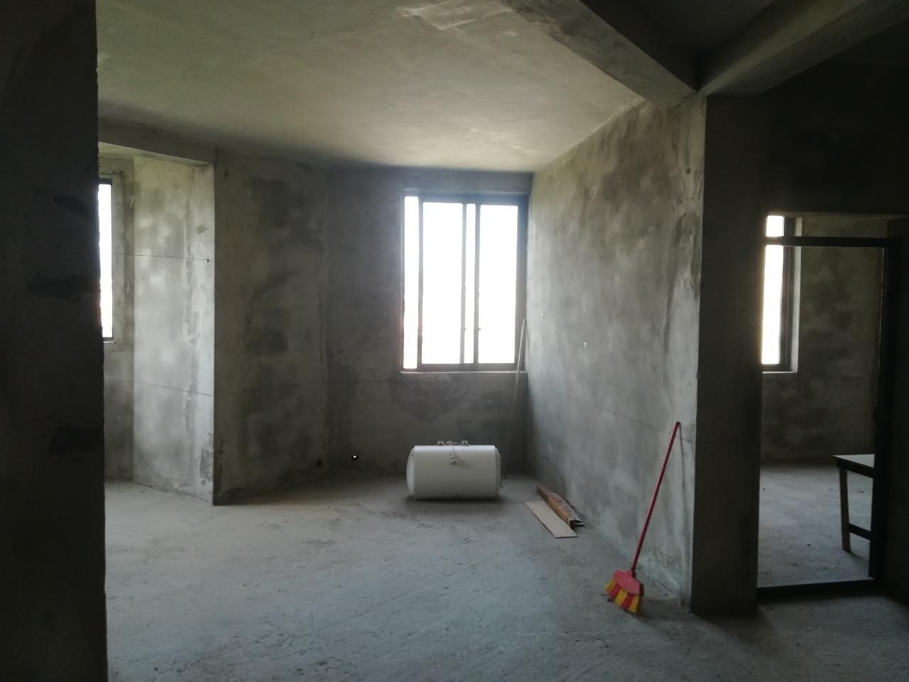大路經濟實用房3室 2廳 2衛23萬元