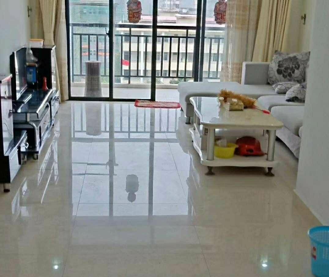 水岸二期114平3室 2厅 精装 首付仅30万