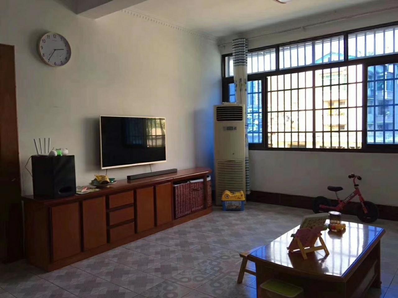 黔中红绿灯137平精装4室 2厅 2卫66.8万元