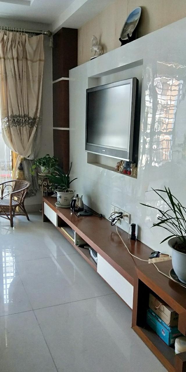 億龍城市花園2室 1廳 1衛120萬元