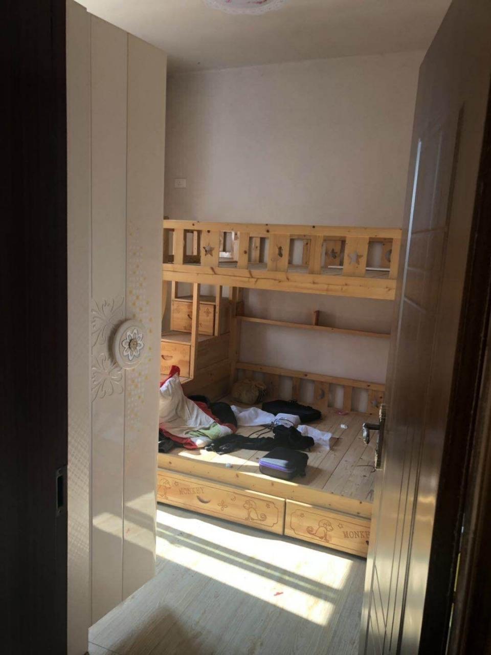 温泉小区安置房3室 1厅 1卫33.8万元