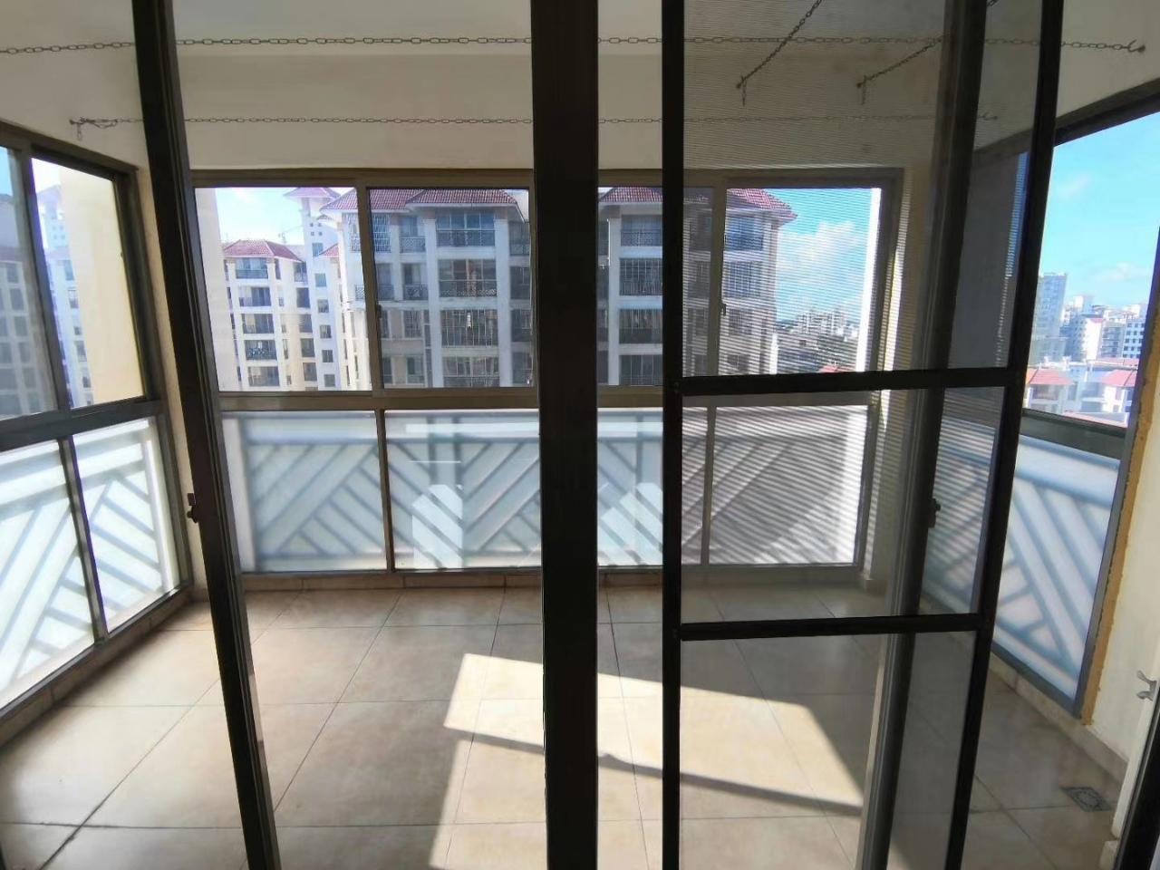 景城-花半里3室 2厅 2卫122万元