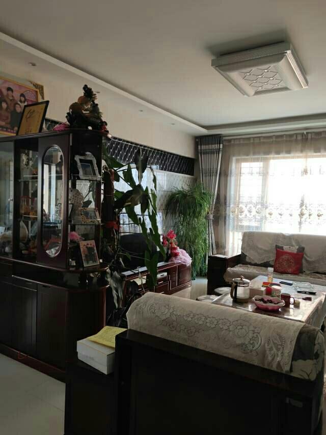 颐兴苑3室 2厅 2卫75万