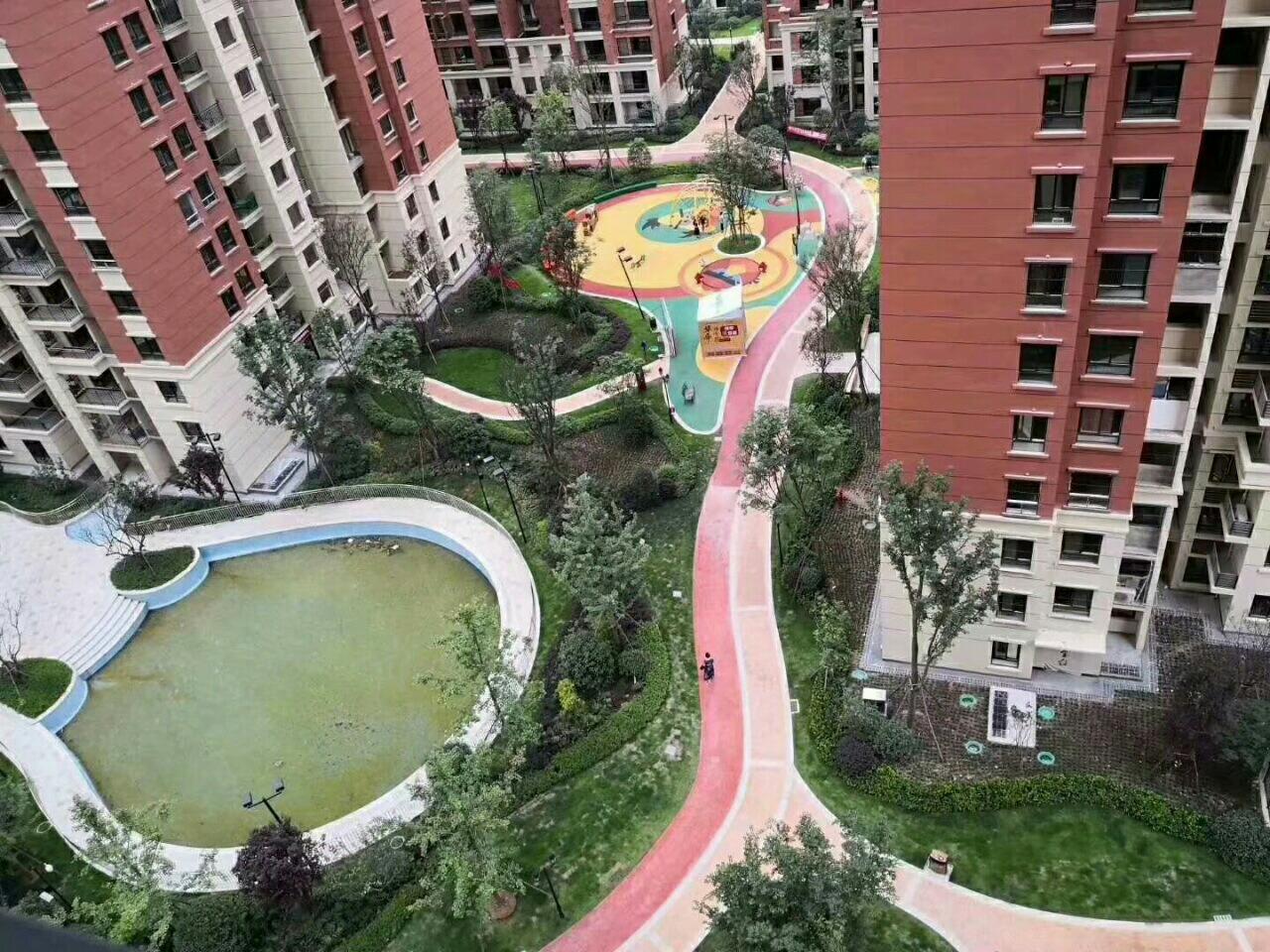 平桥金科云溪台,13楼,楼中楼豪华装修4室 2厅 2卫120万元
