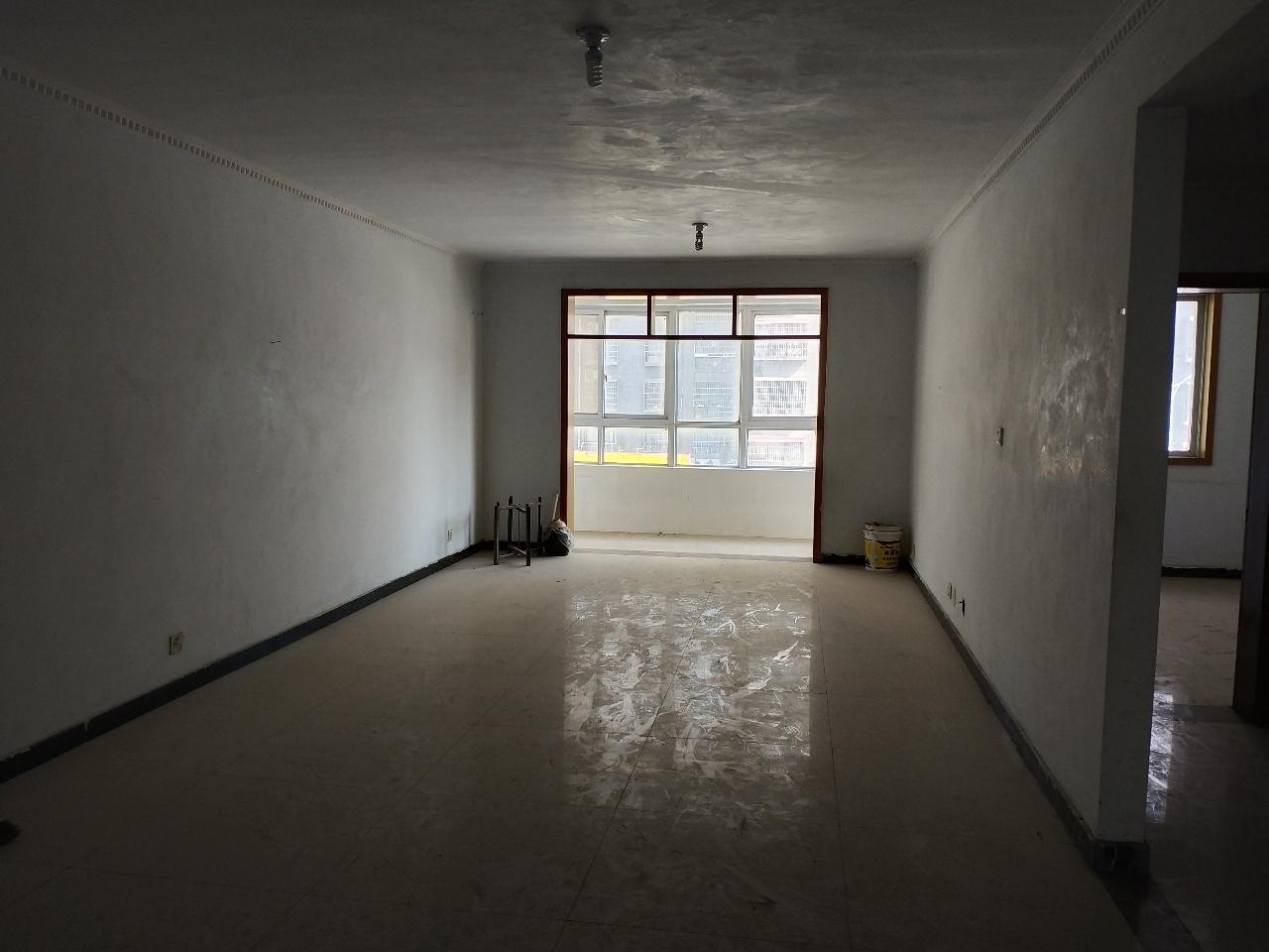 宏基王朝3室 2厅 2卫60万元