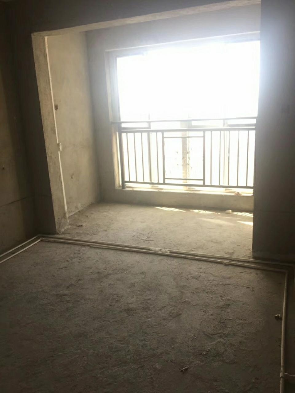 幸福里两房毛坯6楼