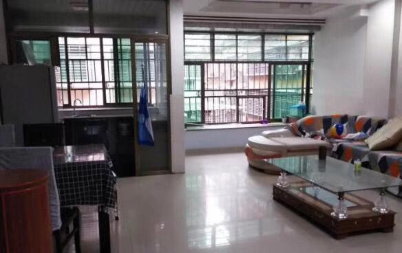 南市场3室 2厅 2卫133万元