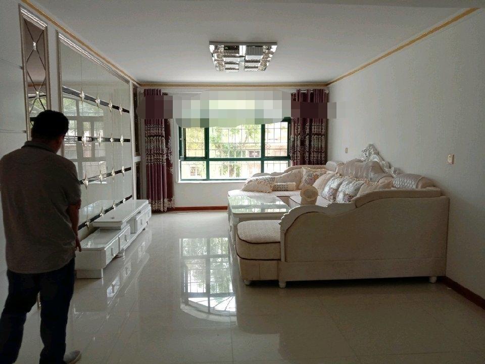 巨龙御园2室 1厅 1卫40万元
