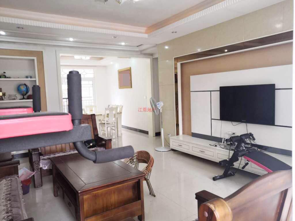 精装修」龙泽居3室 2厅 2卫83.8万元