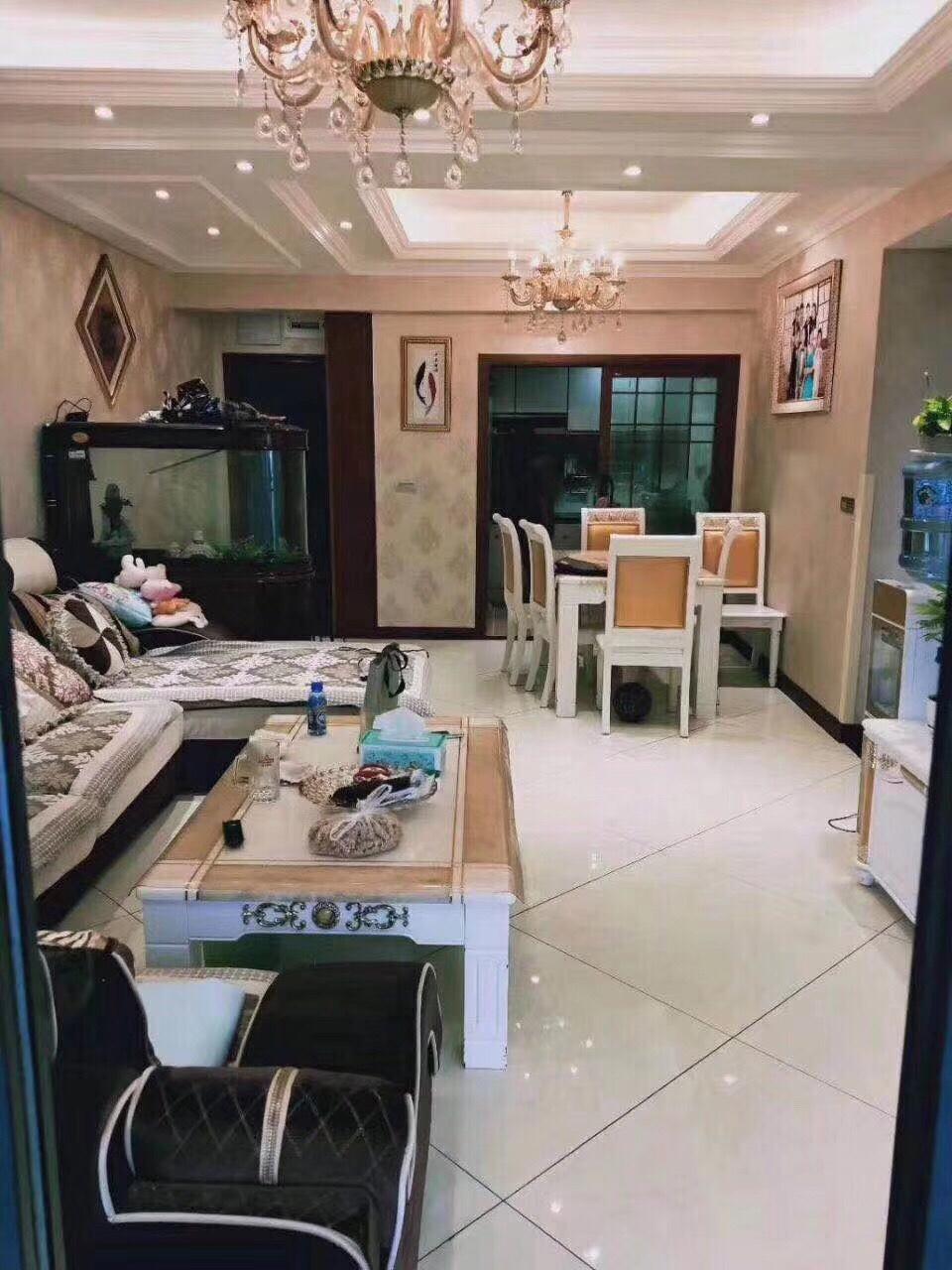 黔龙阳光国际二期3室 2厅 2卫120万元