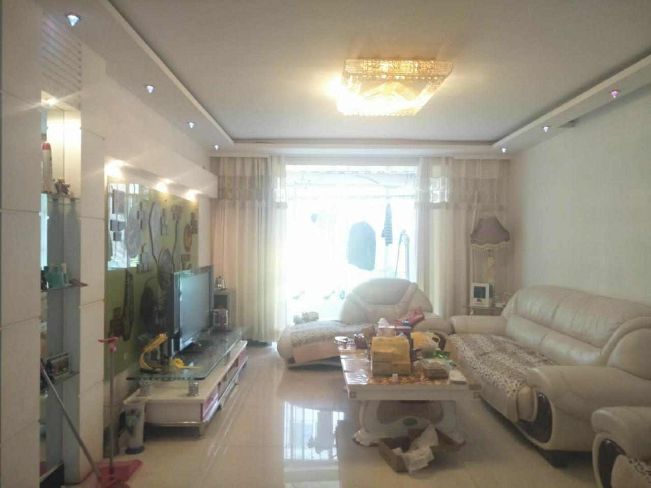 世博花园3室 2厅 1卫67.8万元