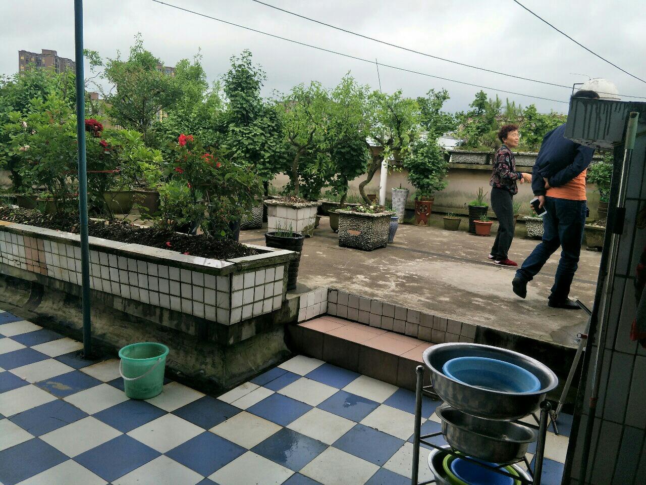 金都花园3室 1厅 1卫42.8万元