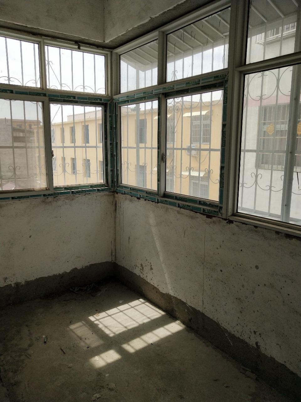 老黃莊黃金2樓3室 2廳 1衛37萬元